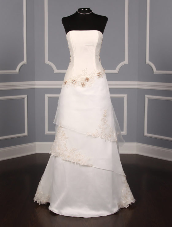 St. Pucchi Valencia Z134 Wedding Dress