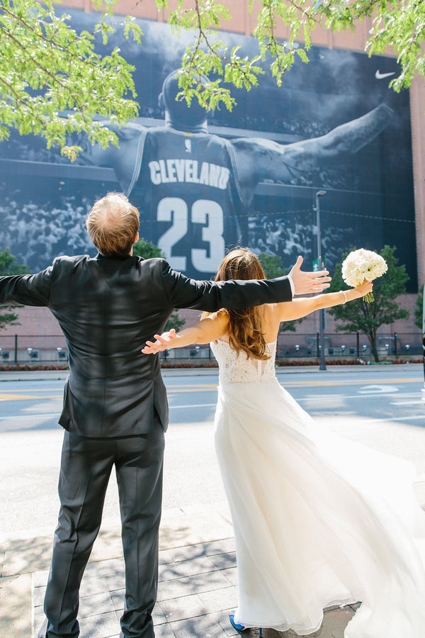 A Romantic Downtown Cleveland Wedding at the Union Club – Vogue ...